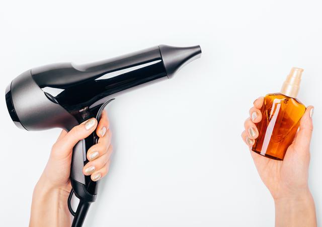 画像: 美しいヘアのために、オイルはつけるべき?