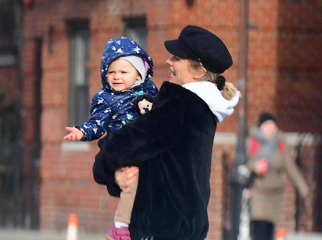 画像: 1歳3ヵ月になったノーマンとダイアンの娘