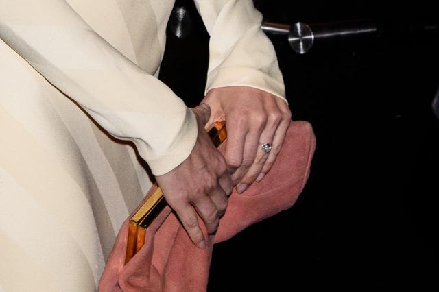 画像3: 恋多きシエナ・ミラーが婚約