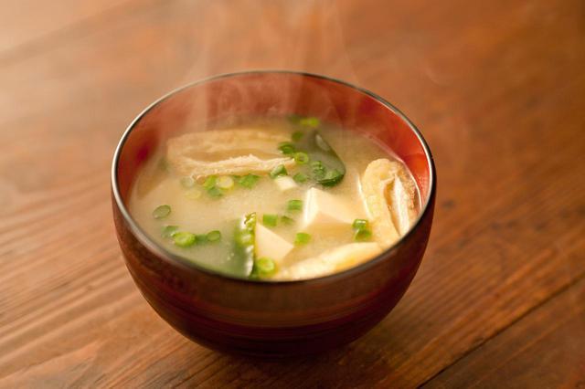 画像2: 味噌汁と寿司が大好物