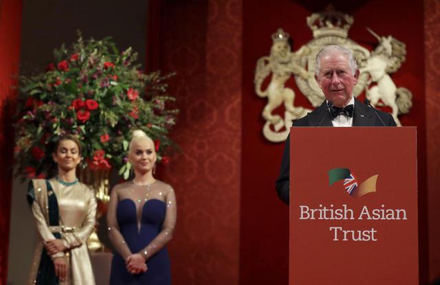 画像: ケイティが「イギリス人」で「アジア系」でもないことに批判