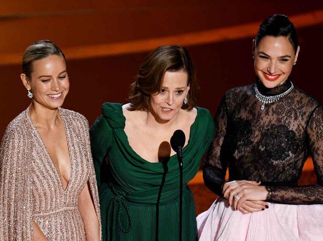 画像: シガニー、ガル、ブリーがアカデミー賞版ファイト・クラブで「女性の活躍」に触れる