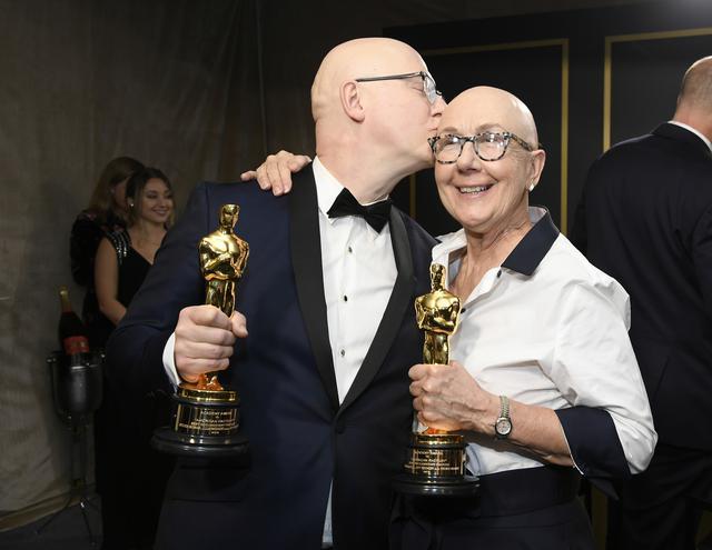 画像: :『アメリカン・ファクトリー』スティーブン・ボグナー監督(左)、ジュリア・ライカート監督(右)