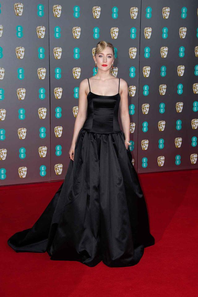 画像: 1週間前にシアーシャが着用した、英国アカデミー賞のグッチのドレス。