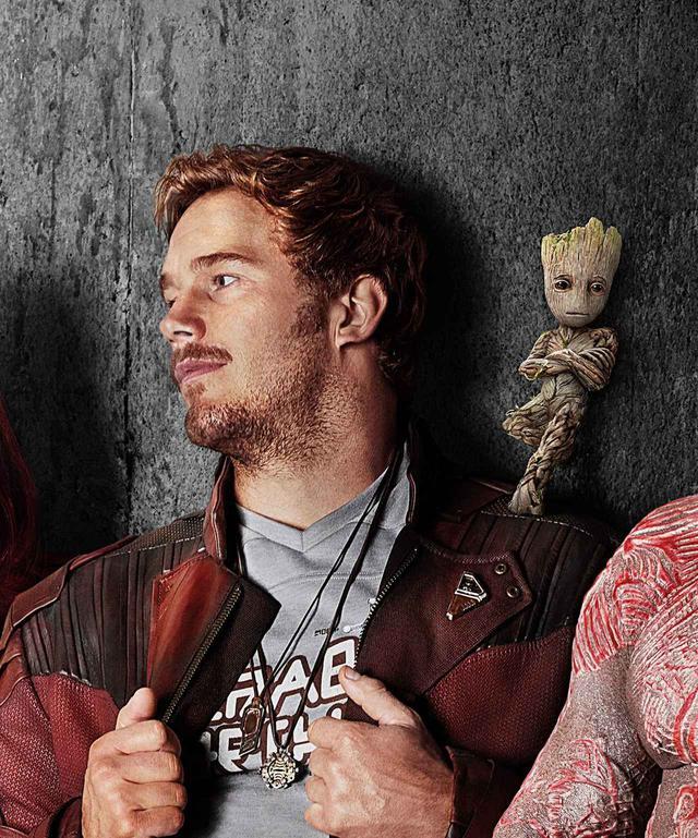 画像: 主演俳優のクリス・プラットの肩の上にのっているのがグルート。