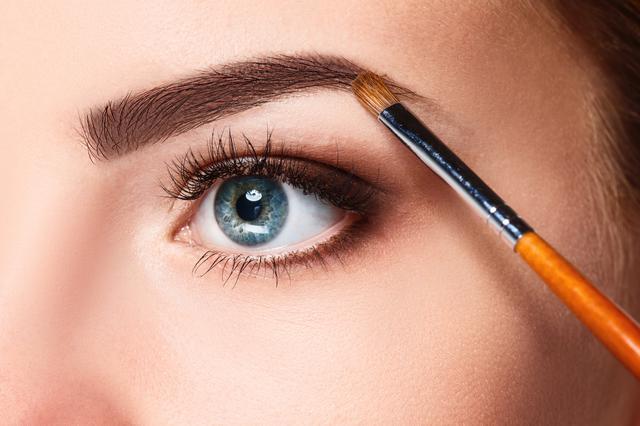 画像: プロが眉の描き方をレクチャー