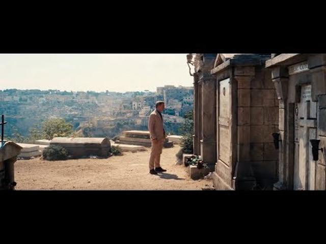 画像2: 『007/ノー・タイム・トゥ・ダイ』、ビリー・アイリッシュの主題歌に乗せた予告が解禁