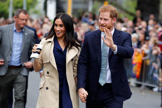 画像: ヘンリー王子&メーガン妃をディナーに誘う