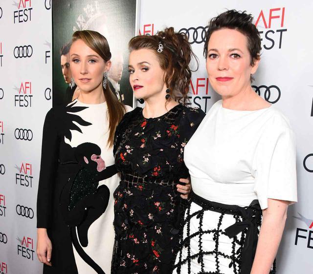 画像: 左から、アン王女役エリン・ドハティ、マーガレット王女役ヘレナ・ボナム・カーター、エリザベス女王役オリヴィア・コールマン