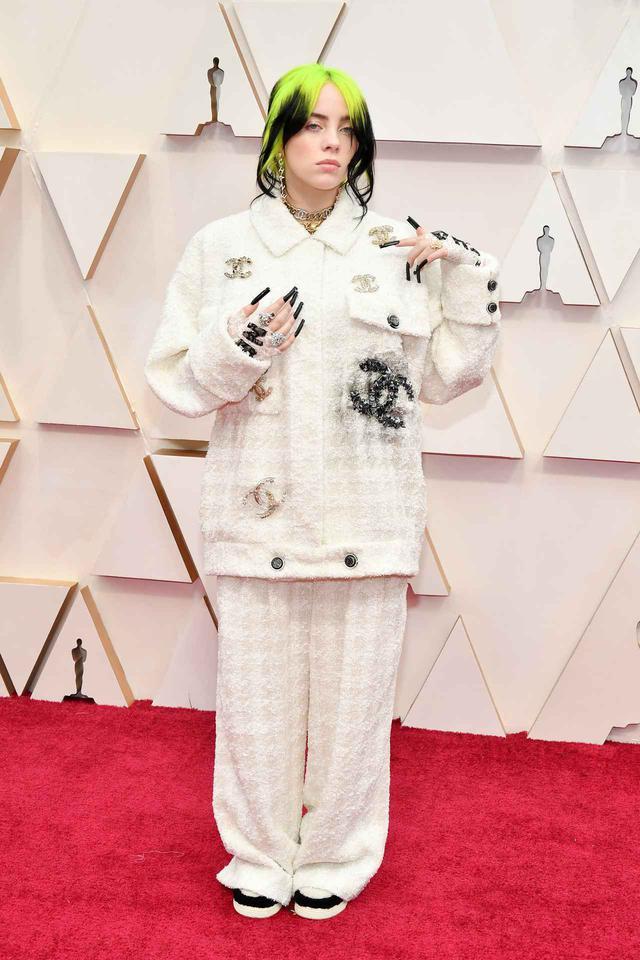 画像: アカデミー賞授賞式はシャネル。