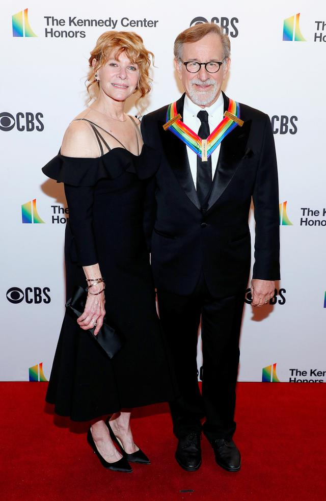 画像: スティーブンと母のケイト。