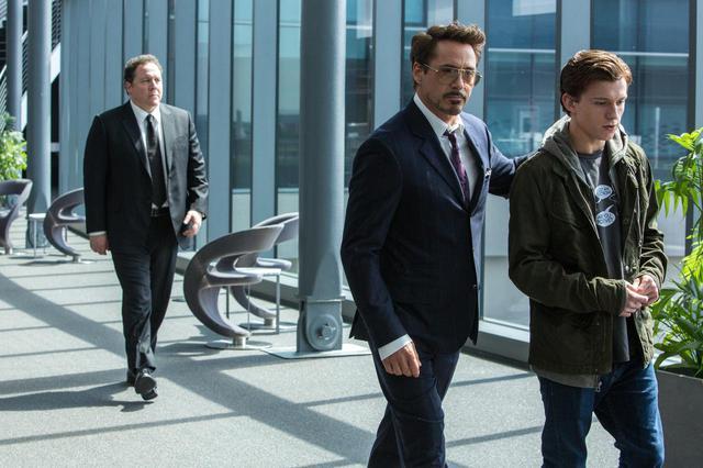 画像: ロバート&トムがタイムトラベル?