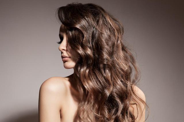 画像: 使い方2:髪をふんわりさせる、ボリュームを出す