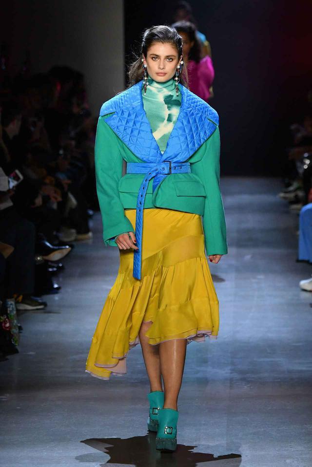 画像: プラバル・グルンのファッションショー。