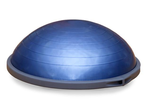 画像1: セレブも愛用する半月型のツール「BOSUボール」
