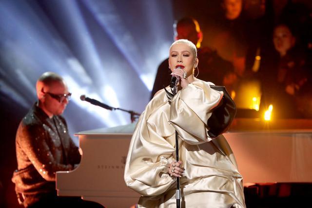 画像: パワフルかつしなやかな美声と抜群の歌唱力で知られるクリスティーナ・アギレラ。