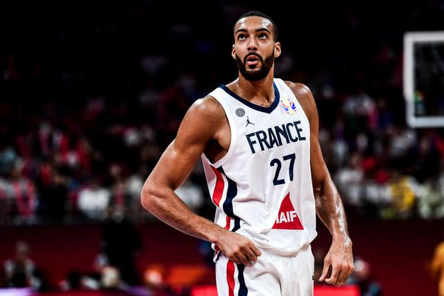 画像: ヨーロッパでもスタープレーヤーとして知られるゴベール選手は2019年に開催されたFIBAバスケットボール・ワールドカップでは母国フランスの代表チームの一員として活躍した。