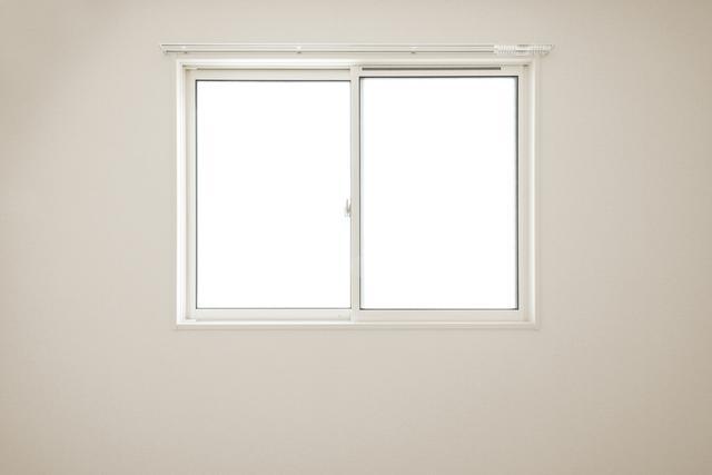 画像: 窓枠を使って腹筋