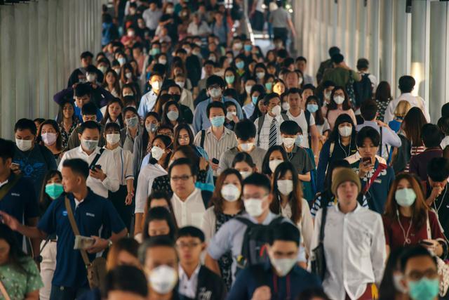 画像: マスクを着用する人が急増