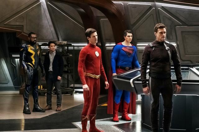 画像3: SUPERGIRL(TM), BATWOMAN(TM) , THE FLASH(TM) , ARROW (TM) , DC'S LEGENDS OF TOMORROW (TM) and all pre-existing characters and elements TM and ©︎DC Comics.©︎2020 Warner Bros. Entertainment Inc. All rights reserved.