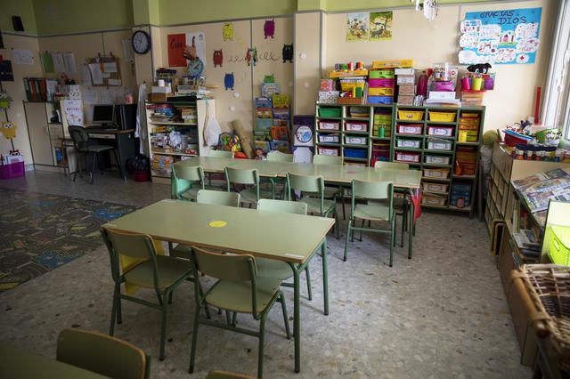 画像: スペインでは学校も再開未定のまま休校とされている。