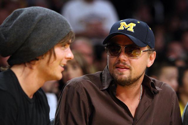 画像: 2009年にふたたびNBAの試合を一緒に観戦したザックとレオナルド。