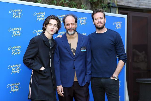 画像: 左からティモシー・シャラメ、ルカ・グァダニーノ監督、アーミー・ハマー。