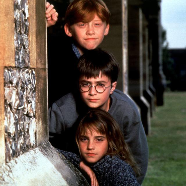 画像: 上から:『ハリー・ポッター』シリーズでルパートが演じたロン・ウィーズリー、ダニエル・ラドクリフが演じたハリー・ポッター、エマ・ワトソンが演じたハーマイオニー・グレンジャー。