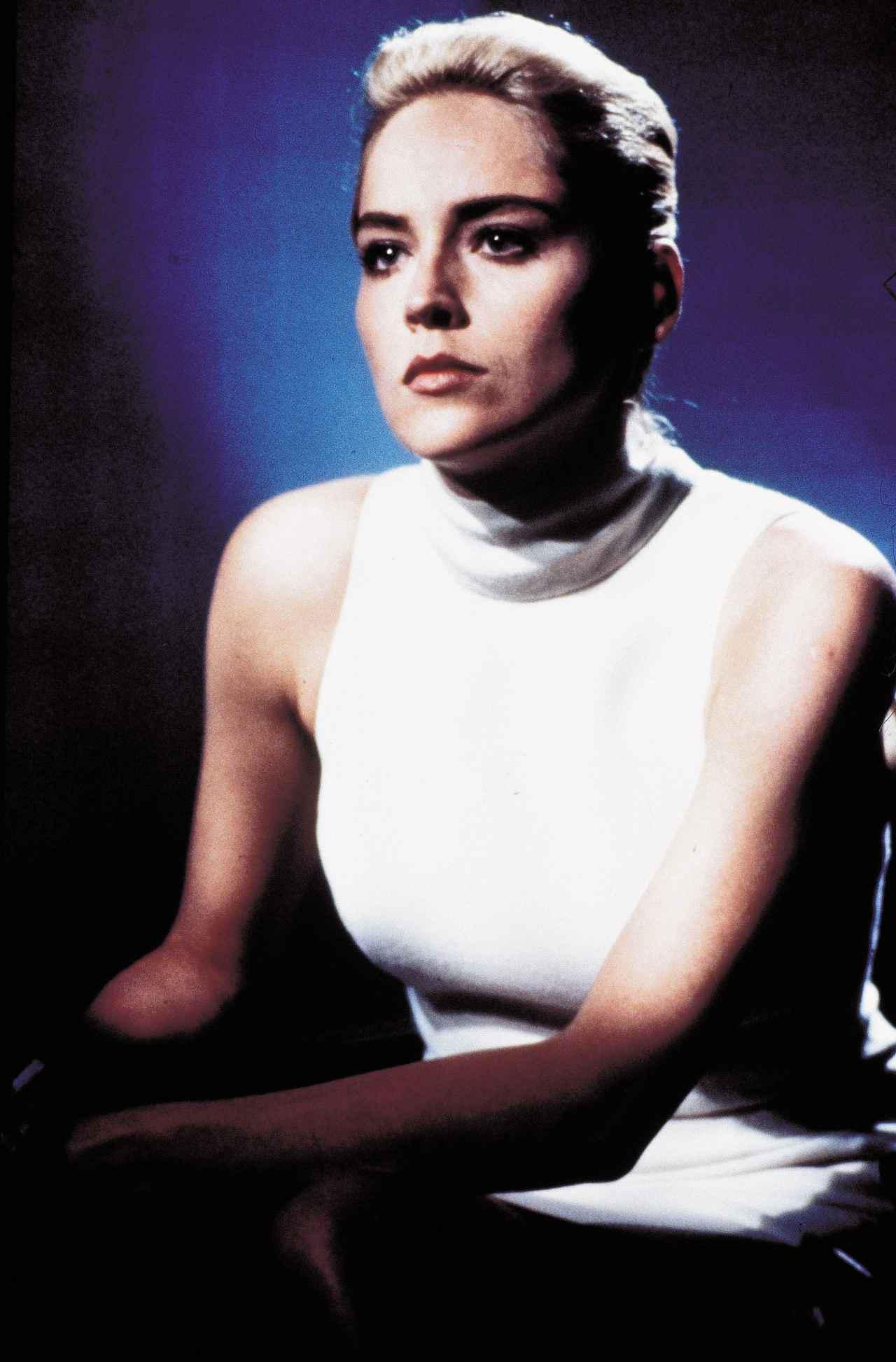 画像: 『氷の微笑』でのシャロン・ストーン。 ⓒTRI STAR PICTURES / Album/Newscom