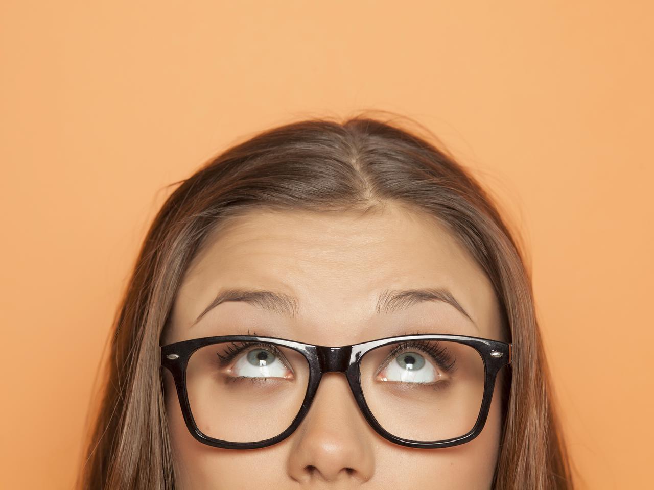 画像: なぜ、額にシワができやすいの?