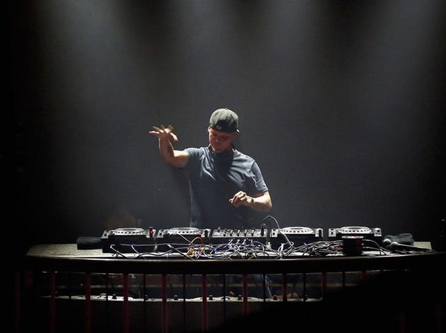 画像: アヴィーチーがこの世を去って早2年、人気DJたちが追悼