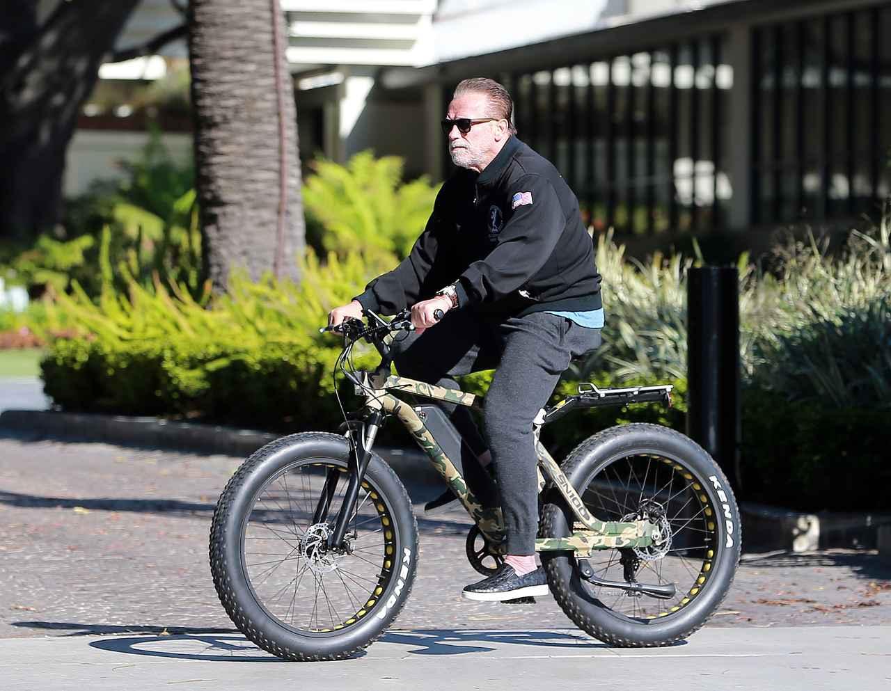 画像2: 自宅隔離中はサイクリングが趣味