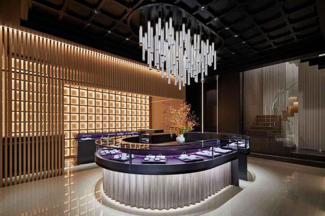 画像: NIWAKAのクリエイティブチームがストアデザインを手掛けたことにも注目。ブランド発祥の地、京都の「伝統と革新」の精神をモダンかつラグジュアリーに体現した。