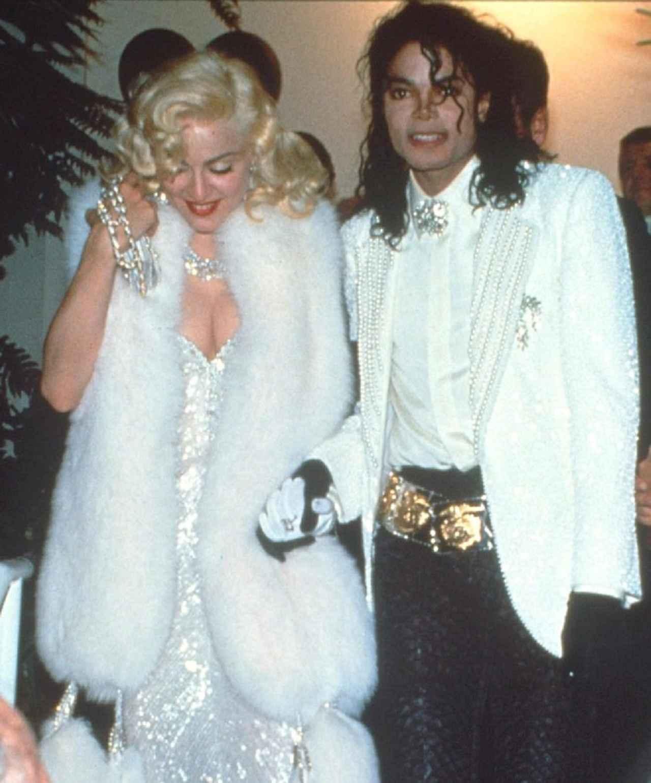 画像: 1991年のアカデミー賞に連れ立って参加したマイケルとマドンナ。