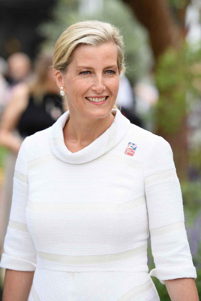 画像: イギリス王室のソフィー妃が医療従事者をサポート