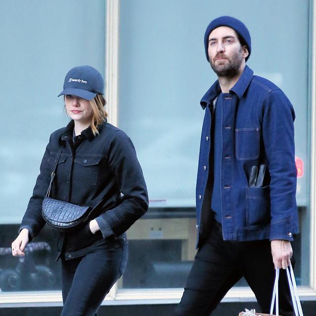 画像: 婚約発表の約1カ月前に撮影されたエマとデイヴのツーショット。