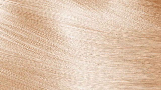 画像: なぜ「レモン果汁」で髪が明るくなるの?