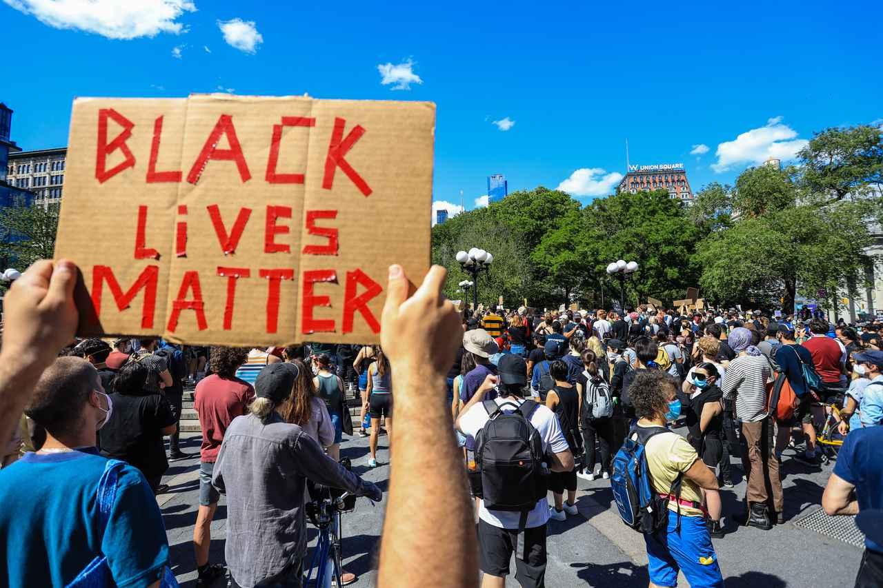 画像: 全米で人種差別に抗議する運動