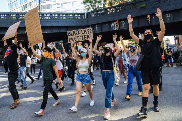 画像: ニューヨークのデモの様子。