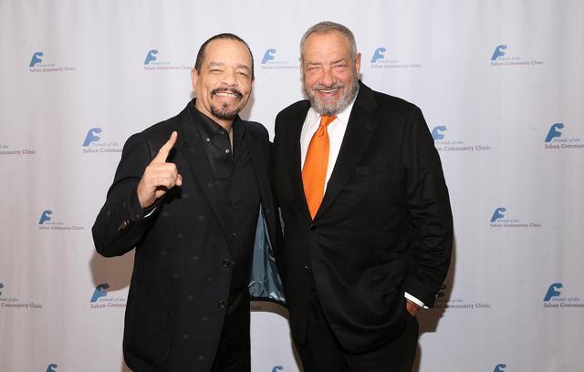 画像: アイス-T(左)とディック・ウルフ氏(右)
