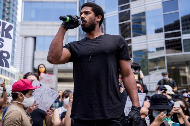 画像2: 黒人俳優のマイケル・B・ジョーダンが声を上げる