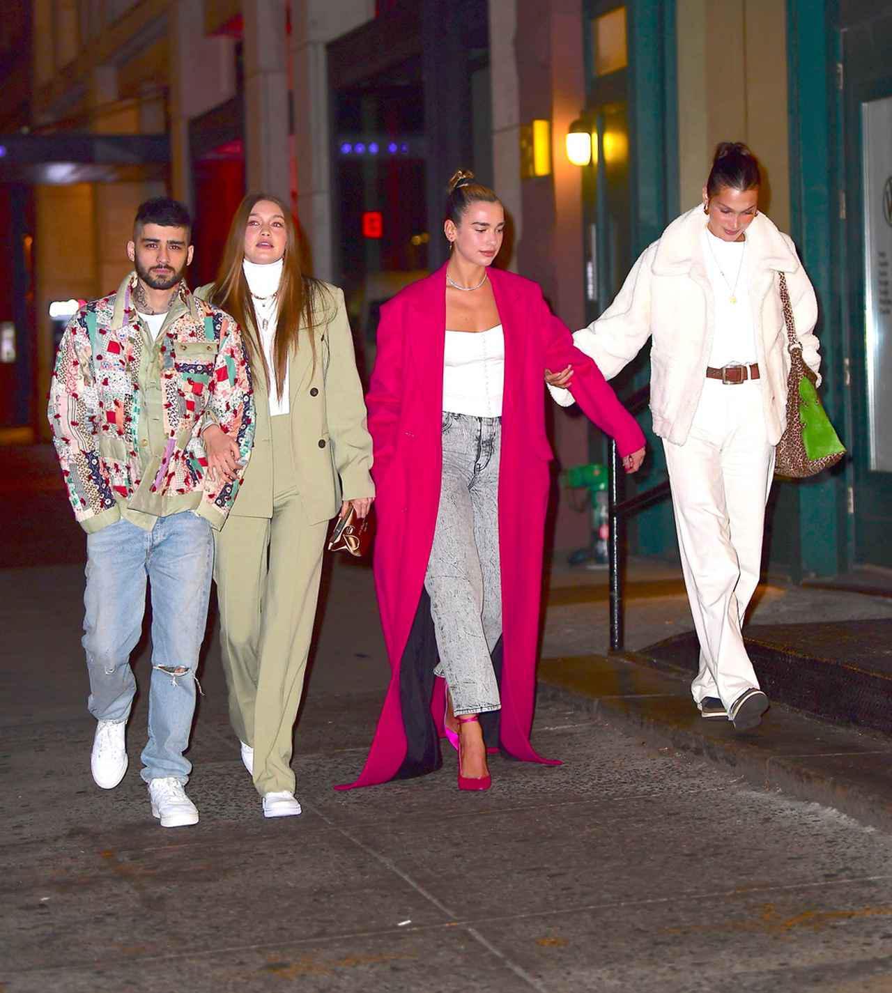 画像: 左からゼイン・マリク、ジジ・ハディッド、デュア・リパ、ベラ・ハディッド。