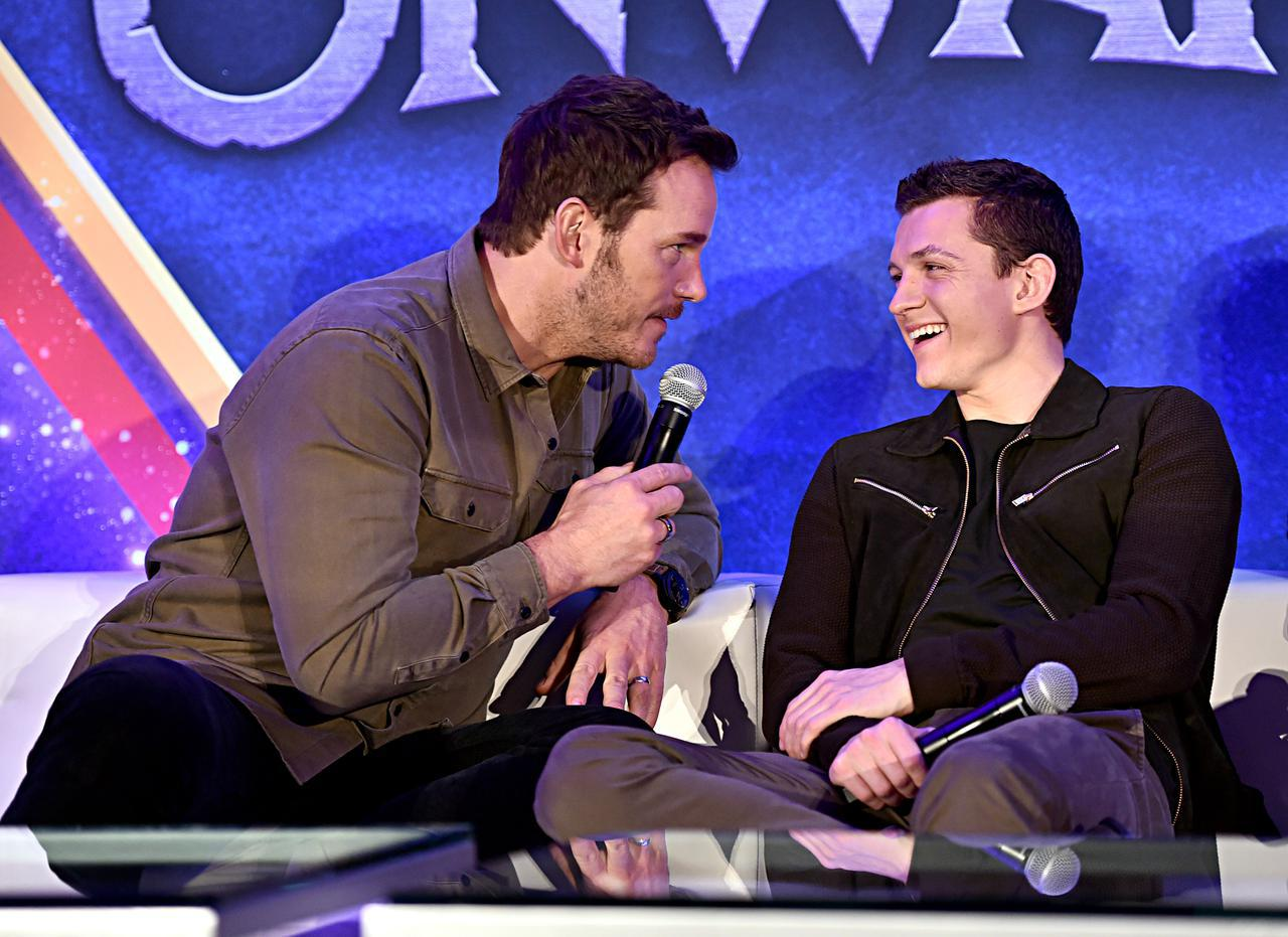 画像: 『ガーディアンズ・オブ・ギャラクシー』スター・ロード役のクリス・プラットとトム・ホランド。
