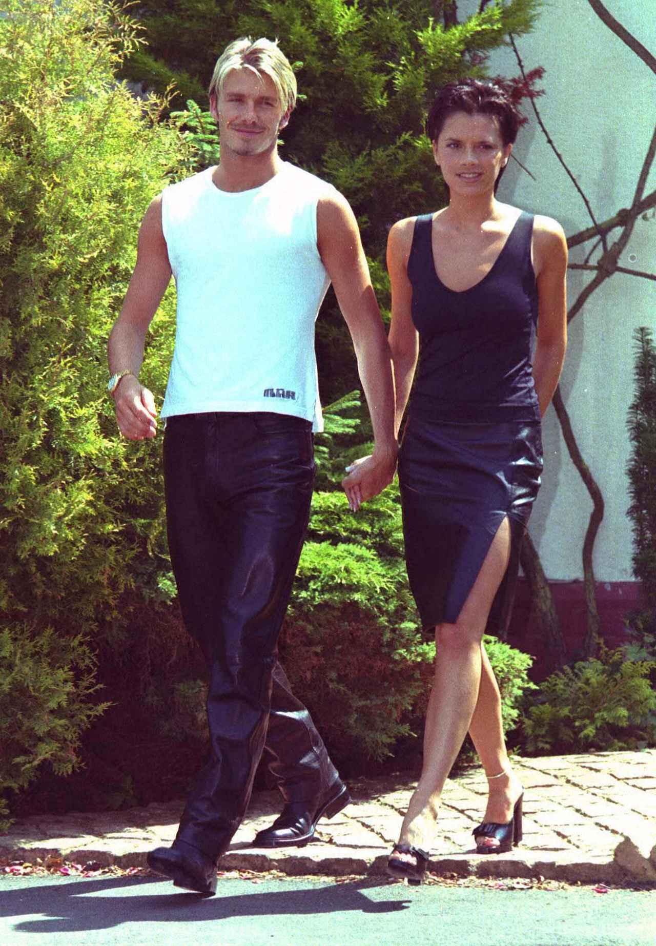 画像: 1999年に撮影されたヴィクトリアと夫のデヴィッド・ベッカム。