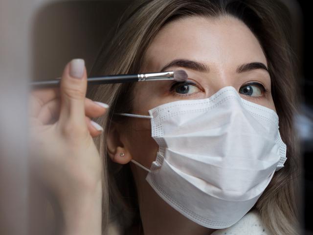画像: マスク着用時のメイク、どうすればいい?