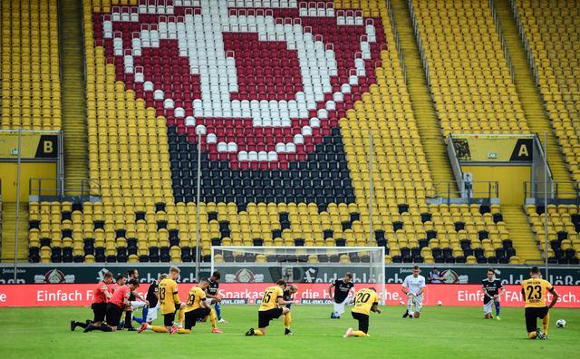 画像: サッカー界にも広がる反人種差別