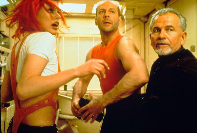 画像: リュック・ベッソン監督作品『フィフス・エレメント』(1997年)にもコーネリアス神父役で出演。『©United Archives/IFTN/Newscom