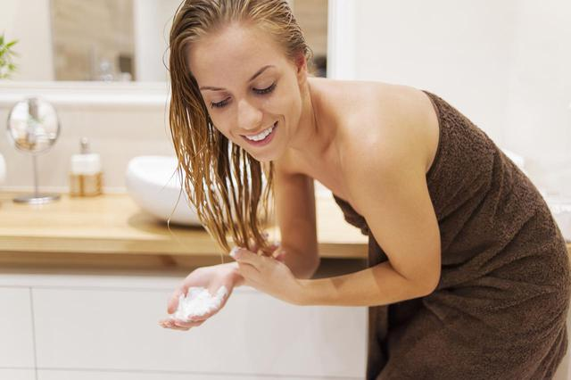 画像: 日焼けした後の髪はどうすべき?