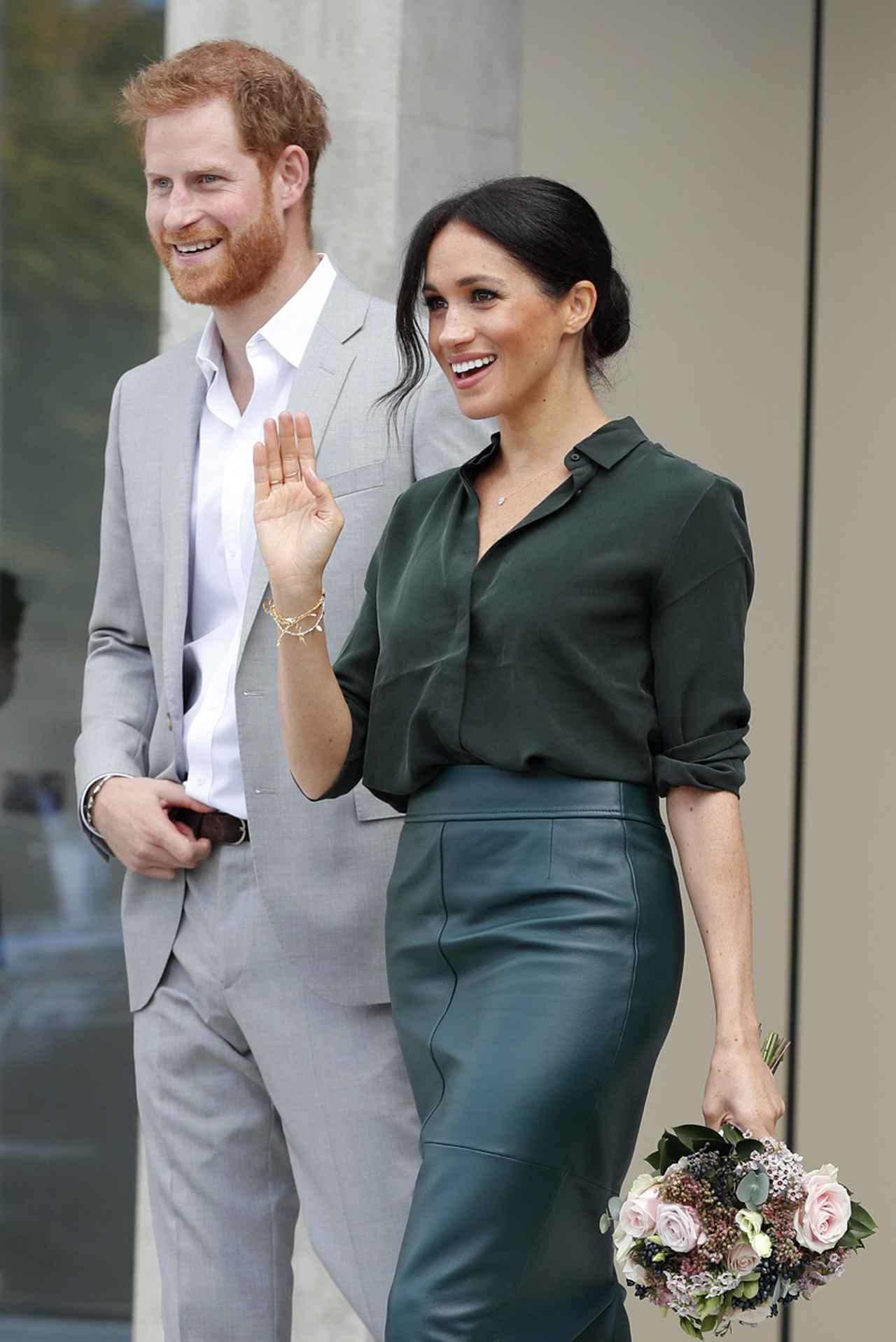 画像: ヘンリー王子&メーガン妃がボランティアに参加する様子が公開