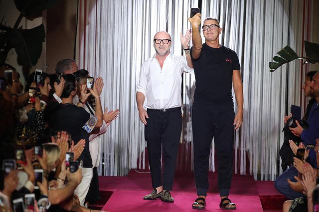 画像: ドルチェ&ガッバーナが同性ファミリーを紹介